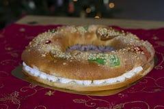 Torta de la Navidad (Roscon de Reyes) Imagen de archivo libre de regalías