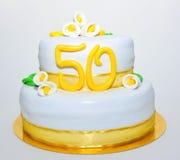 Torta de la pasta de azúcar de la celebración del aniversario del oro Fotografía de archivo