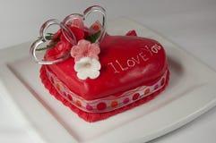 Torta de la tarjeta del día de San Valentín fotos de archivo