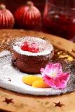 Torta de la taza del chocolate para la Navidad Fotografía de archivo libre de regalías
