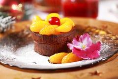Torta de la taza del chocolate para la Navidad Fotos de archivo libres de regalías