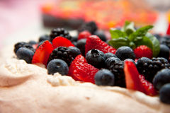 Torta de Pavlova Fotos de archivo