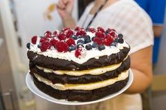 Torta de servicio foto de archivo libre de regalías