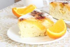 Torta del aire con las naranjas imagen de archivo