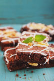 Torta del brownie del chocolate con las nueces Imagen de archivo