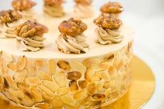 Torta del caramelo de la almendra Fotos de archivo libres de regalías