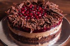 Torta del chocolate y de la cereza Fotos de archivo libres de regalías