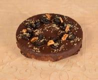 Torta del cioccolato con i dadi Fotografia Stock