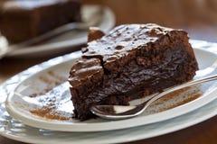 Torta del cioccolato zuccherato Immagini Stock Libere da Diritti