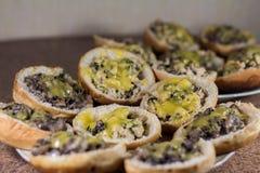 Torta del formaggio del fungo del pollo Fotografie Stock