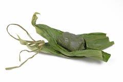 Torta del japonés en hojas Foto de archivo