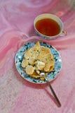 Torta del merengue de la porción Imagenes de archivo