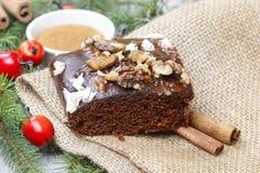 Torta del pan de jengibre de la Navidad con el chocolate Fotografía de archivo