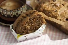 Torta del pan de la porción fotos de archivo