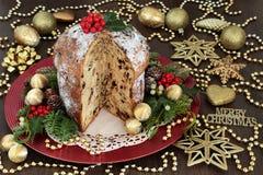 Torta del panettone del chocolate de la Navidad Imagen de archivo libre de regalías