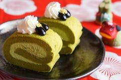 Torta del rollo del té verde, postre japonés Foto de archivo libre de regalías