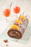 Torta del rollo suizo del chocolate Foto de archivo libre de regalías