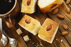 Torta del semolino con la noce di cocco Immagini Stock Libere da Diritti
