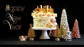 Torta del showstopper de la Feliz Año Nuevo 2018 con el texto Fotografía de archivo