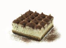 Torta del Tiramisu adornada con el polvo de cacao imagenes de archivo
