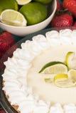 Torta deliciosa fresca do cal chave Fotografia de Stock