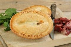 Torta della birra inglese e della bistecca fotografia stock libera da diritti