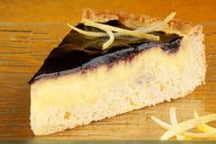Torta della crema della crema della vaniglia e del mirtillo Fotografia Stock