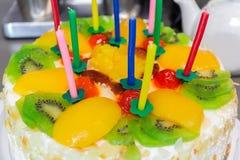 Torta della frutta con panna montata Fotografie Stock Libere da Diritti