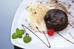 Torta della lava del cioccolato Immagini Stock