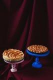 Torta della meringa e del rabarbaro Fotografia Stock