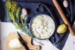 Torta della pera prima di cuocere Immagine Stock Libera da Diritti