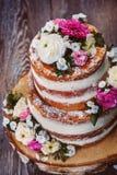 Torta desnuda de la boda hecha en casa Foto de archivo libre de regalías