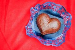 Torta di cioccolato di giorno dei biglietti di S. Valentino Fotografia Stock Libera da Diritti