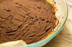 Torta di cioccolato sulla zolla Fotografia Stock Libera da Diritti