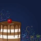 Torta di compleanno con la ciliegia, i regali, le bagattelle e le stelle Fotografia Stock