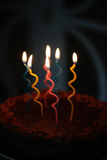 Torta di compleanno con le candele Fotografia Stock
