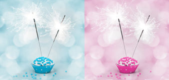Torta di compleanno con lo sparkler Fotografie Stock