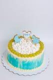 Torta di compleanno del neonato con il pan di zenzero e l'uva Fotografia Stock