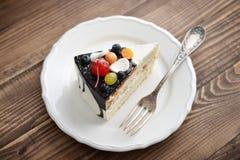 Torta di compleanno della frutta Fotografia Stock