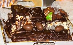 Torta di compleanno di Homemmade oggetto dell'alimento della torta fotografie stock libere da diritti