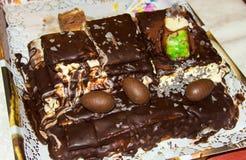 Torta di compleanno di Homemmade oggetto dell'alimento della torta fotografia stock
