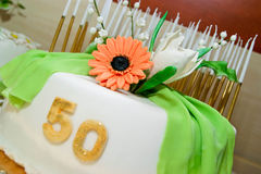Torta di compleanno per 50 anni di giubileo Fotografia Stock Libera da Diritti