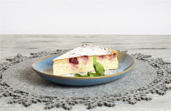 Torta di formaggio casalinga della ciliegia Immagine Stock