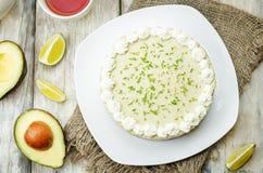 Torta di formaggio della calce dell'avocado immagine stock libera da diritti