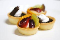 Torta di frutta assortita immagine stock