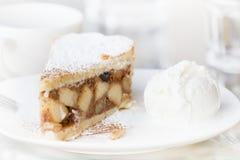 Torta di mele con chiave del gelato la macro alta Fotografie Stock Libere da Diritti