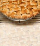 Torta di mele con la crosta della grata Fotografia Stock Libera da Diritti