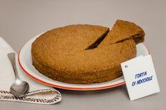 Torta di nocciole,山麓意大利榛子蛋糕  免版税库存照片