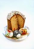 Torta di Pasqua con tre uova Fotografie Stock