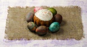 Torta di Pasqua Uova di Pasqua Fotografie Stock